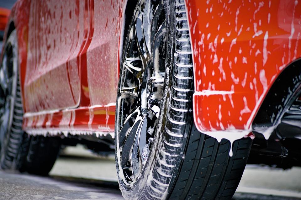 Cómo lavar el coche a fondo
