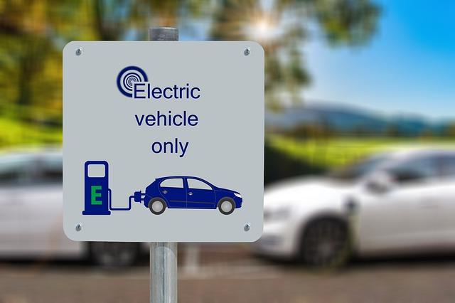 Año 2020, la revolución del coche eléctrico ya ha llegado