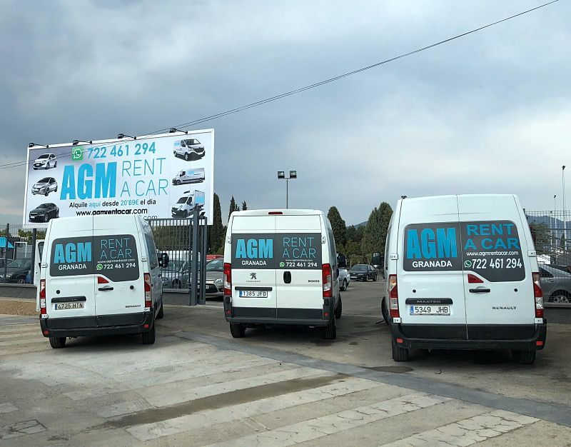flota de furgonetas para alquilar opt - Alquiler de Furgonetas en Granada